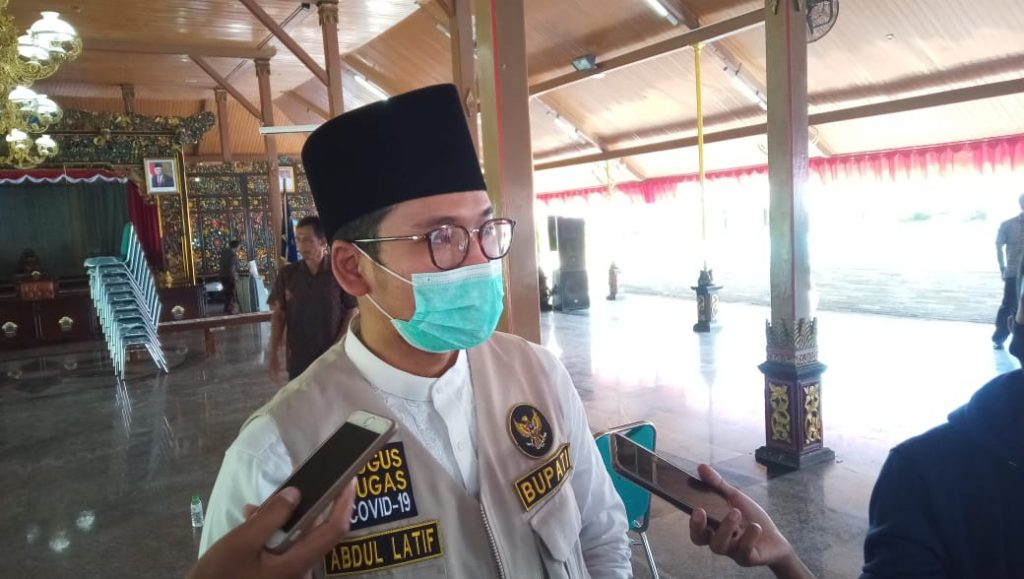 bupati Bangkalan Abdul latif
