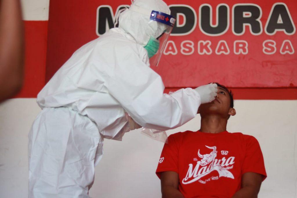 Swab test Madura united