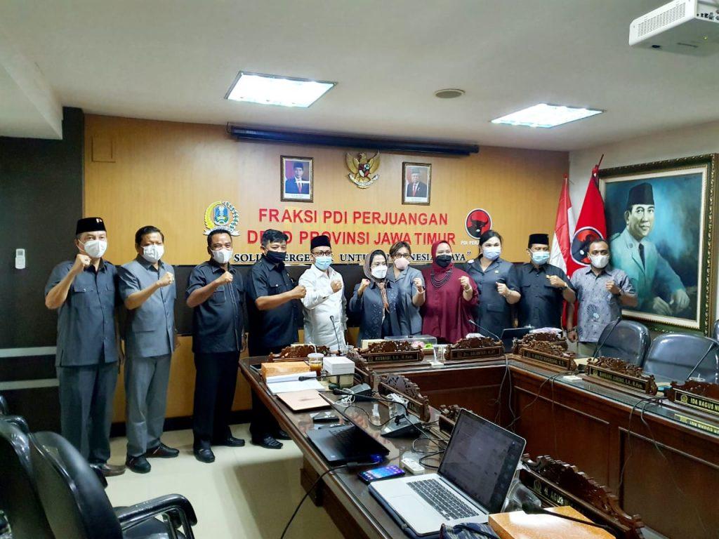 Matangkan Raperda Pesantren, Fraksi PDIP Jatim Berdiskusi Dengan Kiai