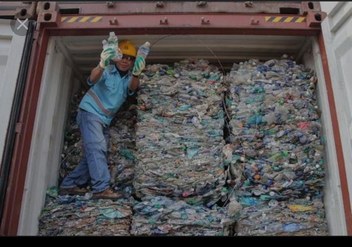 Kiriman Sampah Plastik Ilegal dari AS:  Menguji Aturan Baru tentang Perdagangan Plastik