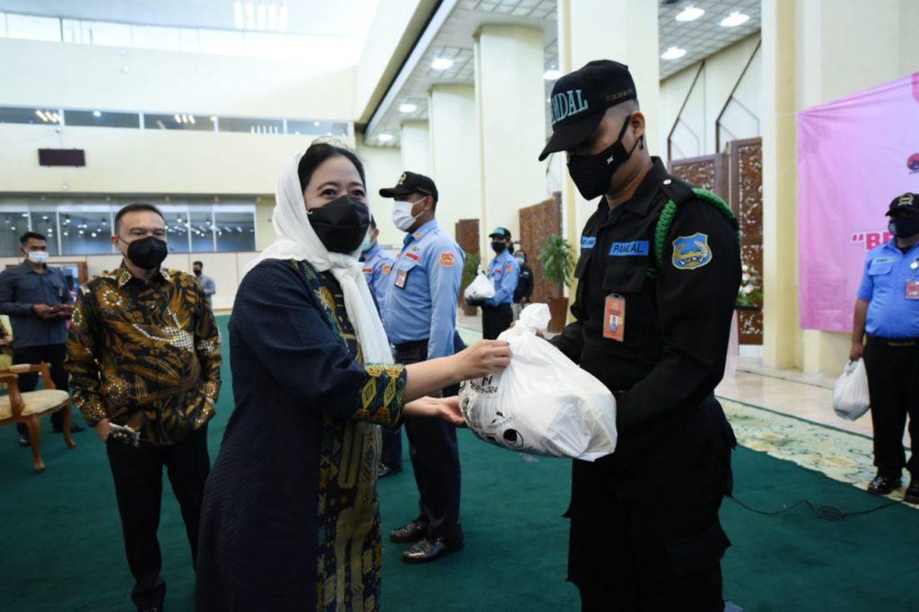 Kenang Jasa Awak KRI Nanggala-402, Puan Minta Seluruh Anggota DPR Kibarkan Bendera Setengah Tiang