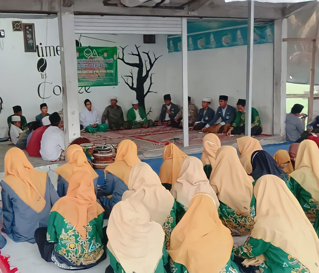 IPNU dan IPPNU Memberikan Santunan Terhadap Anak Yatim di Tanah Merah