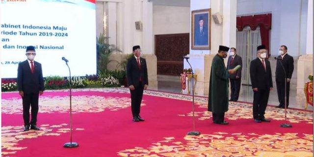 Jokowi Lantik Nadiem Makarim dan Bahlil Lahadalia