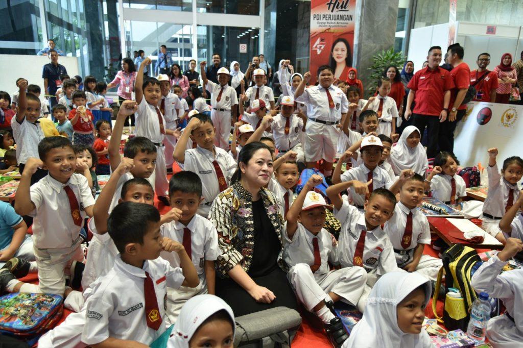 Peringatan Hardiknas, Puan Minta Kemendikbud Ristek Cermati Angka Putus Sekolah dan Efektivitas PJJ