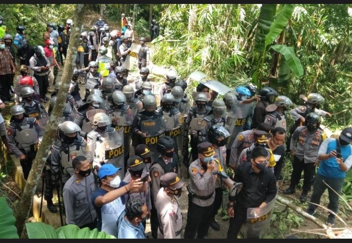 Buntut Bentrok di Desa Wadas, LBH Yogyakarta Laporkan Kapolres Purworejo